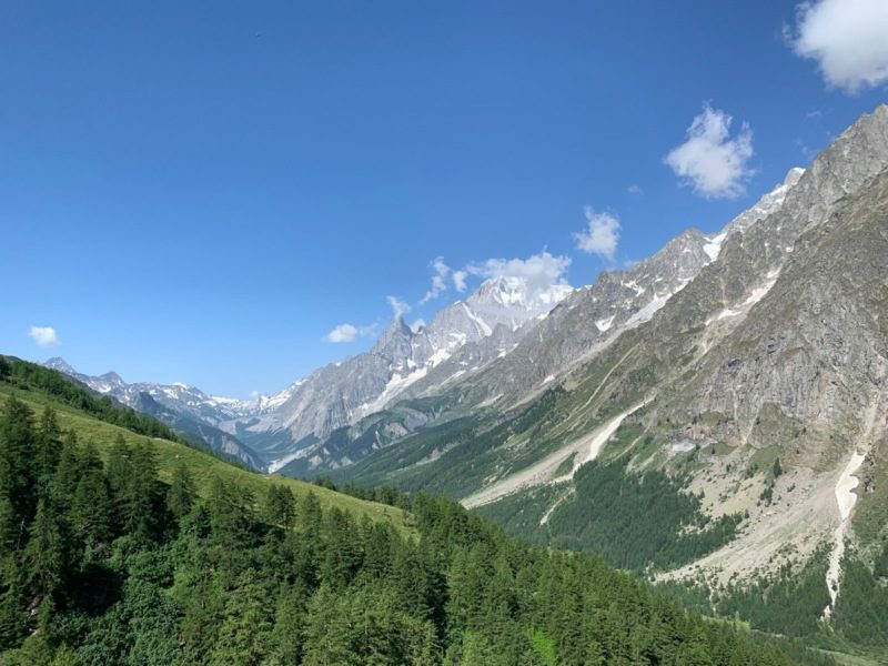 Starting the Val Ferret hike with spectacular views